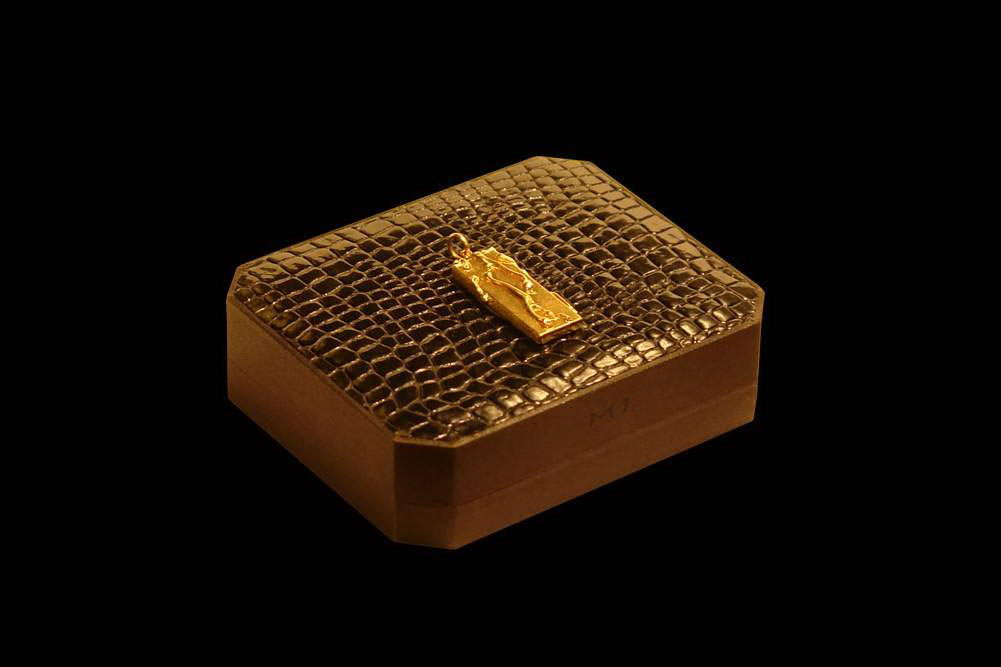 MJ - USB Flash Drive Gold 888 Edition - Solid Platinum Gold 888, Diamonds, Luxury Box from Crocodile Leather
