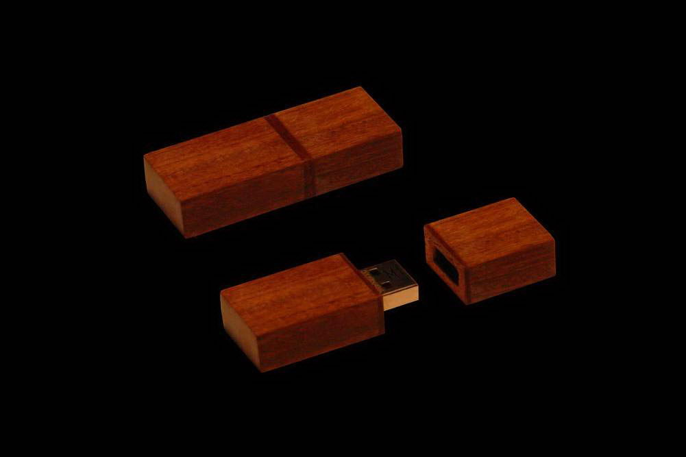 MJ - USB Flash Drive VIP Wood Edition - PinkWood & RedWood.